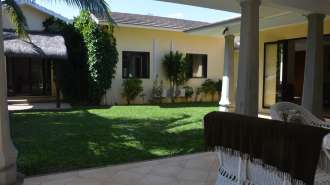 Charming house for rent in Black River