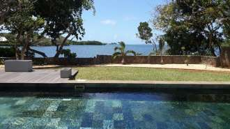 Nice seafront Villa for rent in Belle Mare