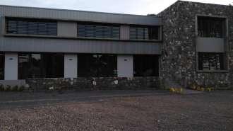 Bureau neuf de 130m² dans un cadre magnifique dans la nature de Petit Raffray